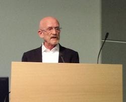 Prof. Martin Dannecker beklagte, wie die neue Bewegung zu einer Abwertung von LGBT f�hre