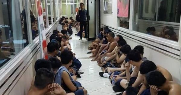 Vorwürfe gegen indonesische Polizei nach Razzia in Schwulenclub