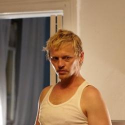 Thure Lindhart spielt den dänischen Filmemacher Erik