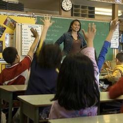 Kein Vorbild: Jeder vierte Lehrer lacht vor der Klasse �ber homophobe Witze - Quelle: www.audio-luci-store.it / flickr / cc by 2.0
