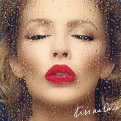 """Das Album """"Kiss Me Once"""" ist bei Warner Music erschienen. Eine Deluxe-Edition enthält zwei zusätzliche Tracks und exklusives Video-Footage"""