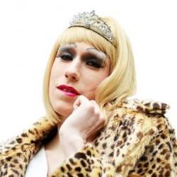 """Muss wohl weiterhin im """"Boys"""" auflegen: Lara Liqueur verfehlte f�r die Satiretruppe """"Die Partei"""" im ersten Wahlgang den Einzug ins Dresdner Rathaus - Quelle: Die Partei"""