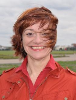 """Dr. Laura Méritt hat bereits ihr halbes Leben dafür genutzt, um Frauen über Sex und Sexualität aufzuklären. Die Pädagogin und Kommunikationswissenschaftlerin betreibt auch die Berliner Institution """"Sexclusivitäten"""" - Quelle: Orlanda Frauenverlag"""