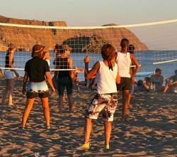 Ein Beach-Volleyball-Turnier geh�rt zu den Highlights des Festivals