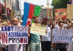 Der nach Deutschland geflohene Aktivist Cavid (r. mit Sonnenbrille) mit Mitstreitern beim diesjährigen CSD in Köln