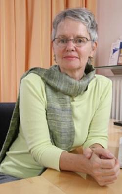 Erarbeitet eu.a. eine Expertise zum Themenfeld Kinderwunsch lesbischer Frauen: Dr. Maria Beckermann