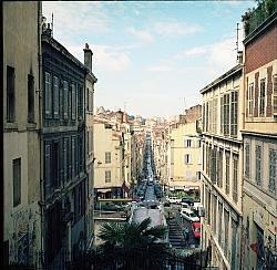 Frankreichs zweitgr��te Stadt Marseille hat sich ihren urigen Charme erhalten - Quelle: j_hlmn / flickr / cc by 2.0
