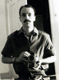 Autor Martin Frank hielt sich ab 1970 mehrmals für längere Zeit in Indien auf, wo er Hindi, Urdu und Tamil lernte
