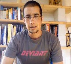 Die eigene Erfahrung mit dem Coming-out als Transmann hat ihn zu der Buchidee geführt: Martin Licht