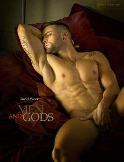 """Opulente Aktfotografie, wie nur David Vance sie beherrscht: """"Men and Gods"""""""