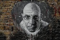 Foucault-Graffiti im Museum Demeure du Chaos