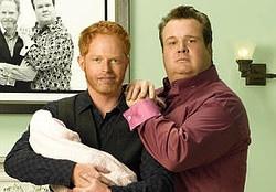 Mitchell und sein Freund Cameron adoptieren ein vietnamesisches Baby