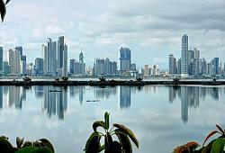 Skyline von Panama-Stadt: Die mit 1,5 Millionen Einwohnern gr��te Stadt des Landes bietet auch eine quirlige Szene