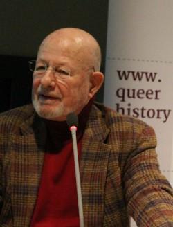 """Opfer und Zeitzeuge Dr. Harm-Peter Dietrich auf der Pressekonferenz am Freitag: """"Wir sind eine seltene, vergängliche Ware"""" - Quelle: Robert Niedemeier"""