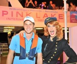 """Ein Schiff reicht schon lange nicht mehr aus: Zur """"Boat Cruise Night"""" legen zwei Party-Dampfer ab, die später auf See verbunden werden - Quelle: Wörthersee Tourismus"""