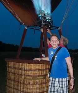 Zum Sonnenaufgang in der Luft: Die Fahrt mit dem Hei�luftballon hat Timm am meisten beeindruckt