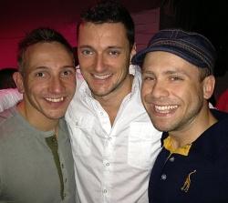 Von Nayte (Mitte), der ihm das Nachtleben von Orlando zeigte, hat Timm in seinem Blog geschw�rmt. Nun bekommen wir ihn auch zu sehen