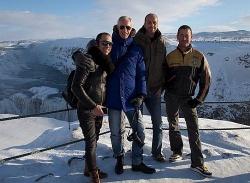 Kuscheliges Reiseziel: Warm einpacken sollte man sich für die Tagesausflüge in die beeindruckende Natur - Quelle: Rainbow Reykjavik