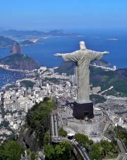 Eine Fahrt zur Christus-Statue geh�rt zum Pflichtprogramm f�r  Rio-Touristen