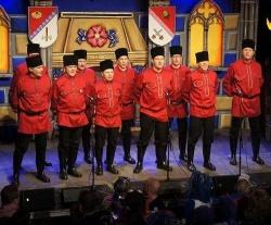 """Einer der Höhepunkte im Kulturbunker: Die Stunksitzung schickte Donkonsaken vorbei, die mit stark russischem Akzent """"YMCA"""" sangen - Quelle: Marvin Mendyka"""