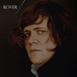 Der Künstlername Rover kommt von seiner Liebe zu britischen Autos