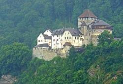 Die F�rstenfamilie residiert im Schloss Vaduz