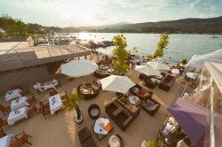 Der SOL Beachclub in Velden: Der sch�nste Strand des W�rthersees ist vom 28. bis 31. August fest in queerer Hand - Quelle: Hotel Park's by Hinteregger