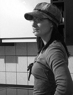 Autorin Sophie R. Nikolay: Die Ehefrau und Mutter von drei Kindern begann im Jahr 2010 mit dem Schreiben - Quelle: Dead Soft Verlag