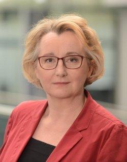 Wissenschaftsministerin Theresia Bauer (Grüne) lässt sich von der AfD nicht aus der Fassung bringen - Quelle: Grüne Baden-Württemberg