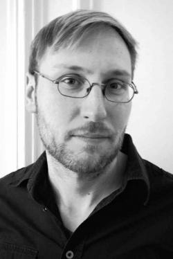 Thomas Pregel, Jahrgang 1977, ist freier Lektor/Redakteur und lebt in Berlin