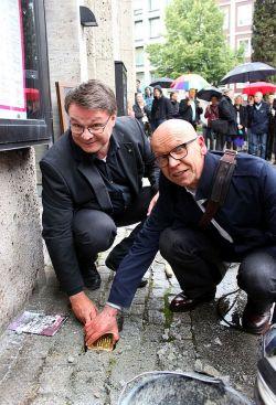 Die Initiatoren der Gedenkveranstaltung: Intendant Christian Tombeil (li.) und Wolfgang Berude vom Forum Essener Lesben und Schwule