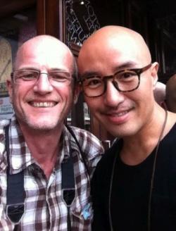 Unser Autor Robert Niedermeier mit Hong Seok Chun, der sich in Toronto pudelwohl f�hlt