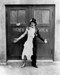 """Einer der queersten Operettencharaktere: Von Wilhelm Bendow stammt auch der Sketch """"Ja wo laufen Sie denn? Ach, ist der Rasen schön grün"""""""
