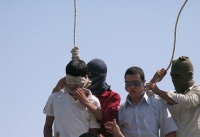 2005 sorgte die Erhängung von zwei schwulen Jugendlichen im Iran für weltweiten Protest