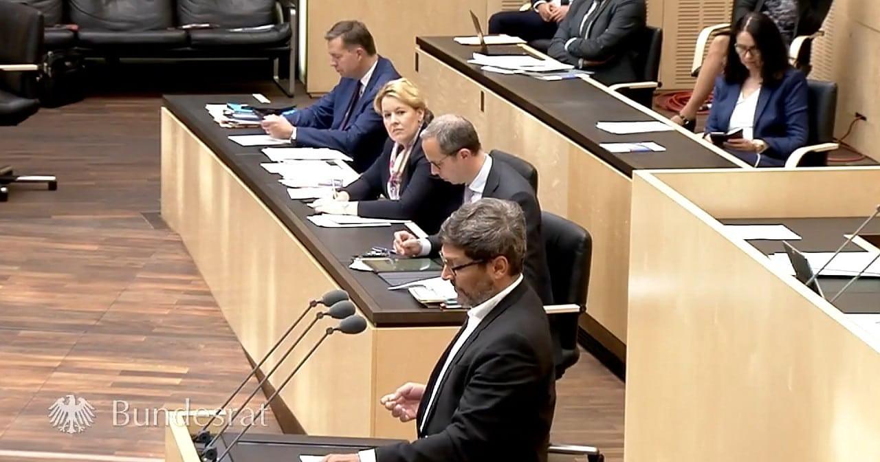 "Bundesrat lehnt homophobes ""Adoptionshilfegesetz"" ab"