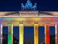 Orlando-Massaker - Nun also doch: Brandenburger Tor wird in Regenbogenfarben angestrahlt