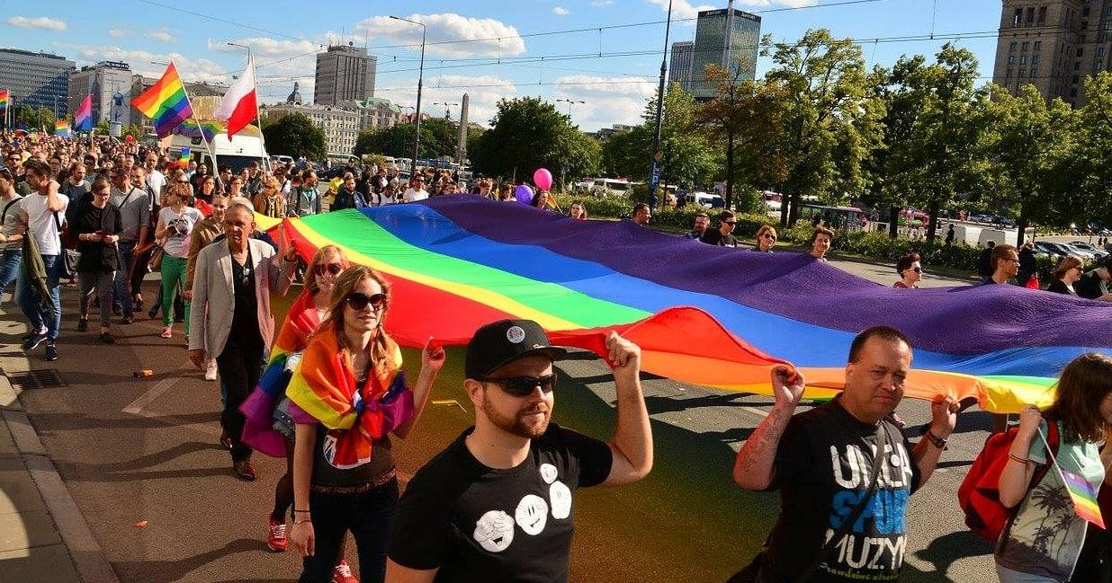Polen: Parlament debattiert über Verbot von LGBTI-Demos