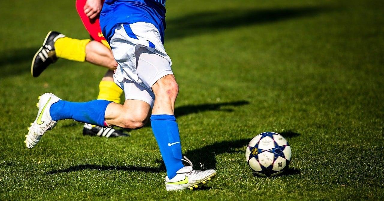 Mehrheit rechnet mit Mobbing schwuler Profi-Fußballer