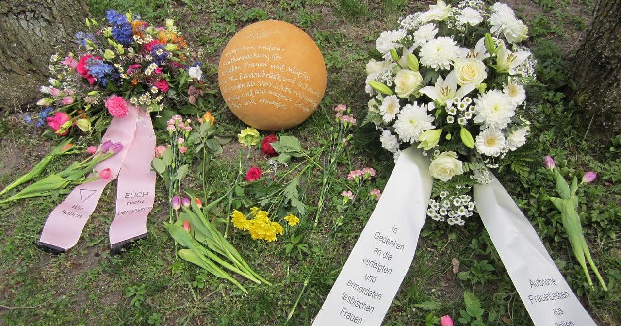 Ravensbrück: Neue gemeinsame Forderung nach Gedenkkugel für verfolgte Lesben