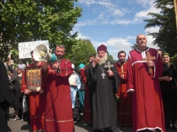 Orthodoxe Priester heizten die Situation an