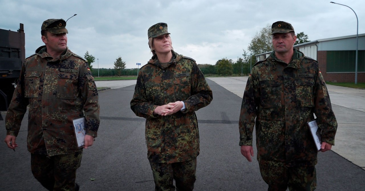 Bunte Bundeswehr: Doku über die erste trans Kommandeurin