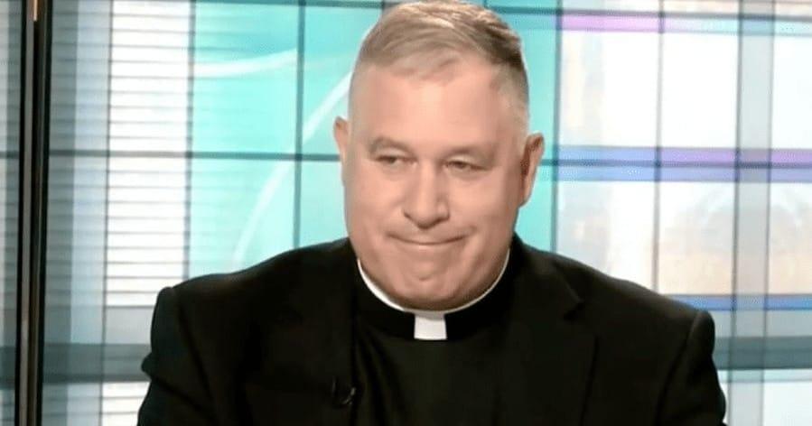 Katholischer Generalsekretär muss nach Grindr-Enthüllung zurücktreten