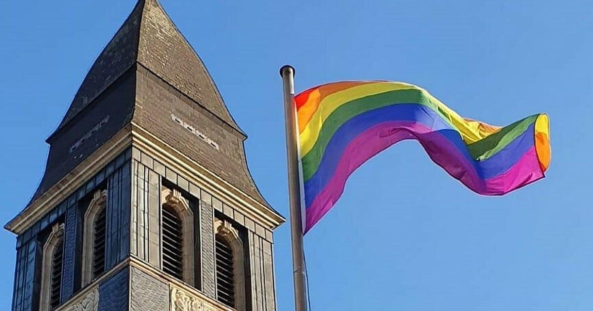 Paderborn: Priester nach Segnungsgottesdienst mit schwulem Paar gerügt
