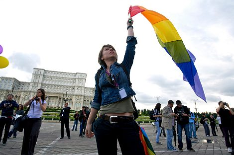 Walk With Pride Foto: CSD in Bukarest von Charles Meachem